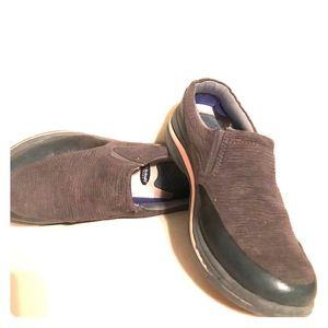 Dr Sholls used slip on walking shoe